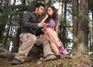 Evelyn-Sharma-with-Ranbir-Kapoor-in-Yeh-Jawaani-Hai-Deewani.-Pic-2